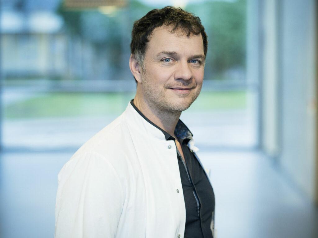 Portrait of Dr. Volker Bush MD
